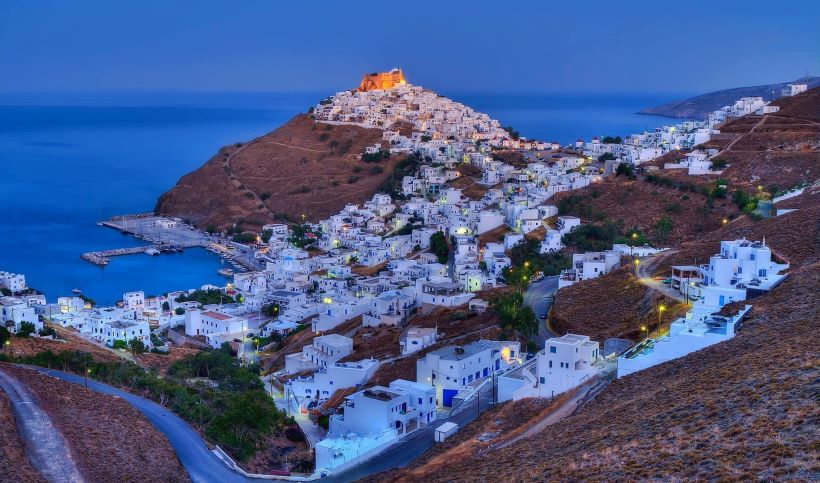 Panoramic view of Astypalaia ([Image source](https://www.discovergreece.com/en/greek-islands/dodecanese/astipalaia))