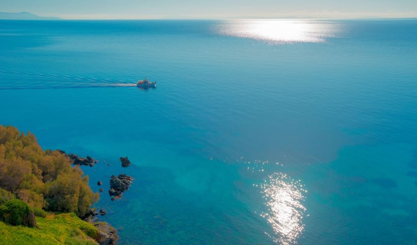 Syros ([Image source](https://www.discovergreece.com/en/greek-islands/cyclades/syros))